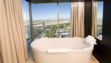 Loft Suite Bathtub